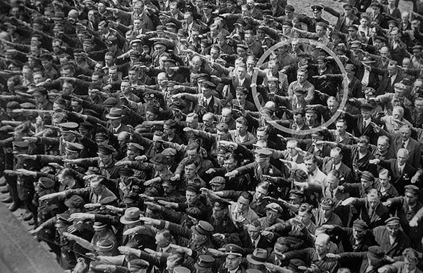 refusing-to-give-nazi-salute