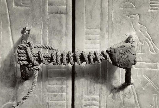 unbroken-seal-of-king-tuts-tomb