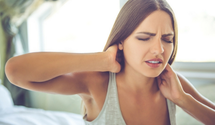 young-woman-neck-pain-1